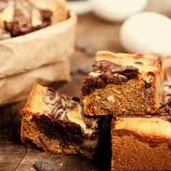 Cookie Brownie Bar Thing with Cream Cheese