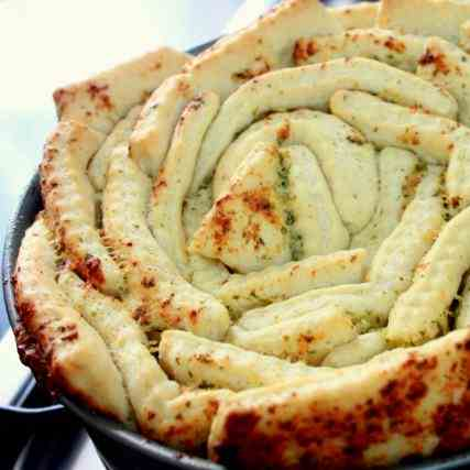 Garlic Bread Rosette