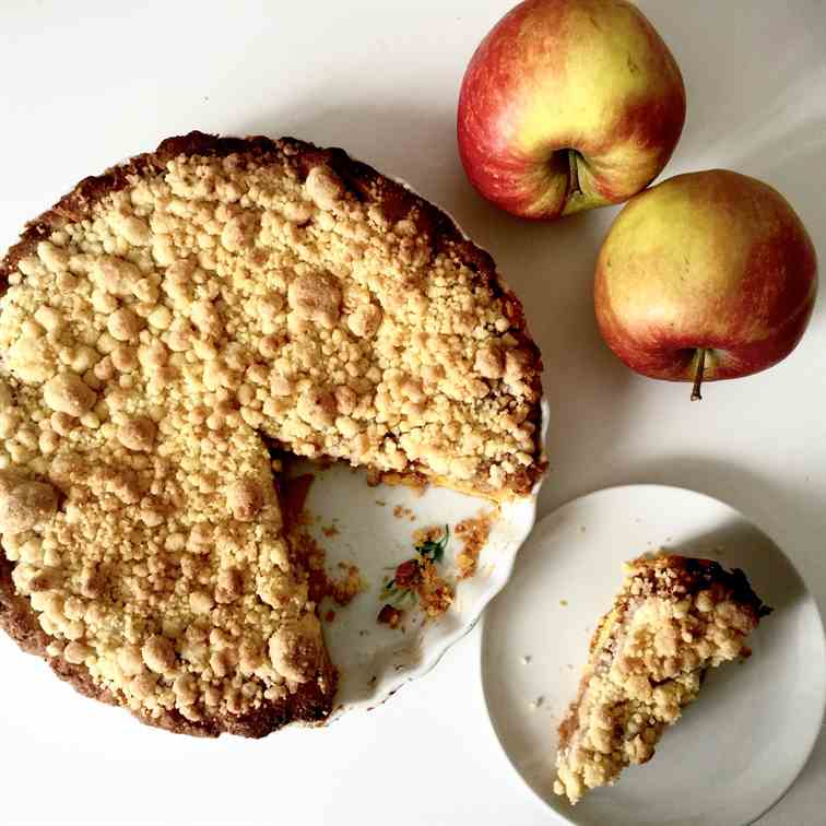 Peach and apple crumble