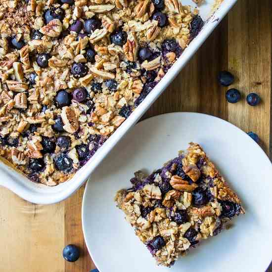 Baked Blueberry Pecan Oatmeal