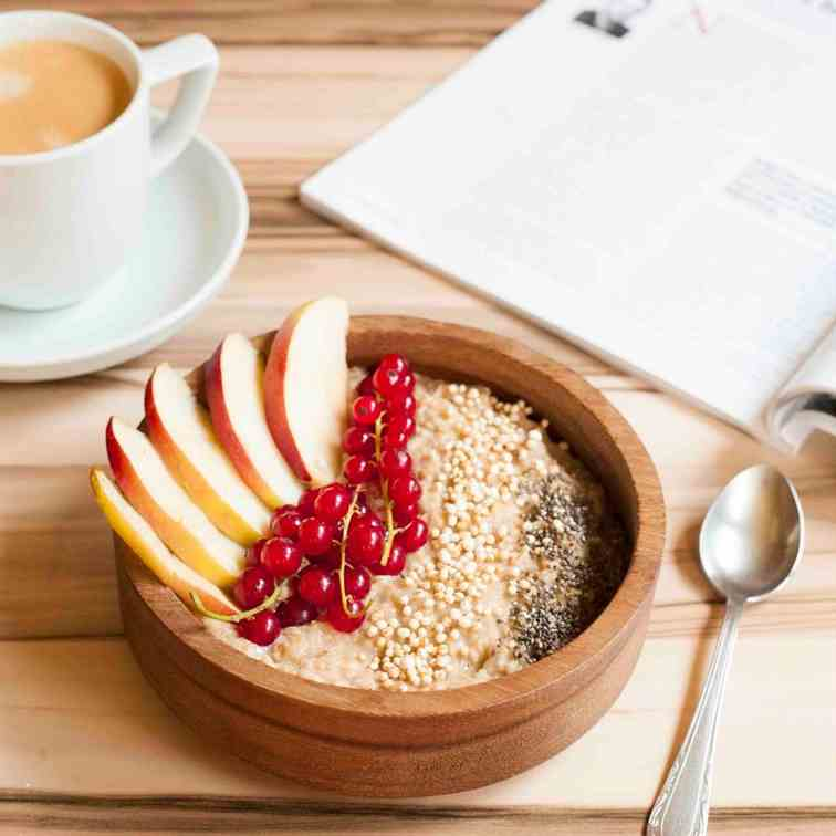 Healthy Apple Cinnamon Oatmeal