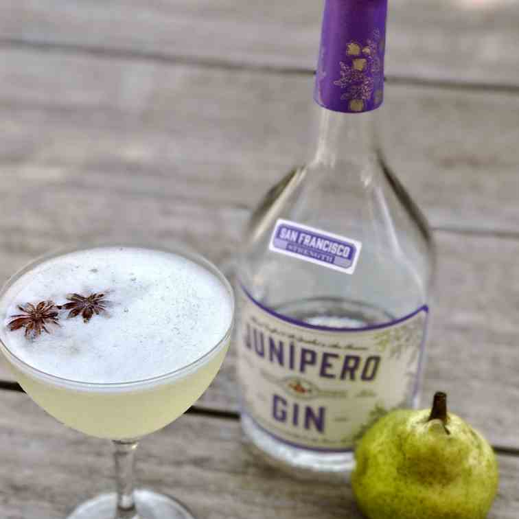 Spiced Pear Gin Fizz