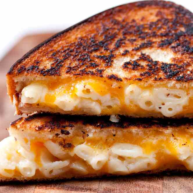 Macaroni and Cheese Toasties
