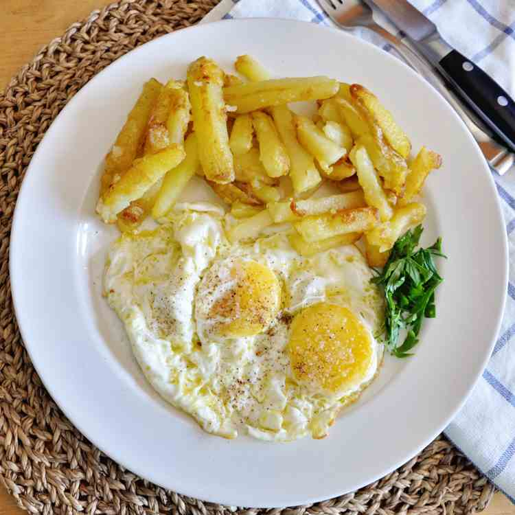 Spanish Eggs with Fried Potatoes