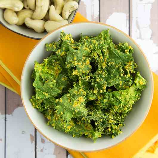 Raw Curried Kale Chips