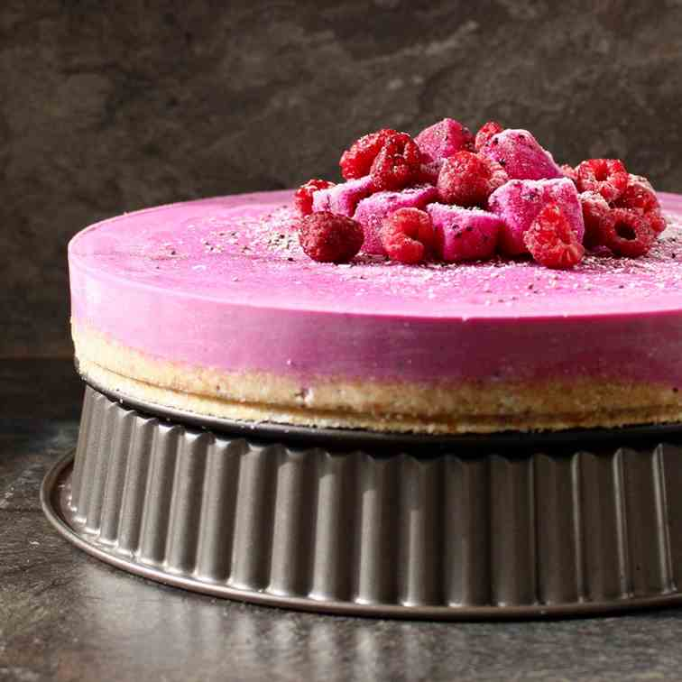 Dragon Fruit and Raspberry Raw Cheesecake