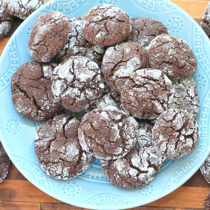 Spicy Chocolate Crinkle Cookies