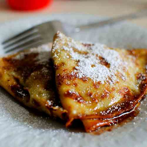 Choc & Banana Crepes with Rum Sauce