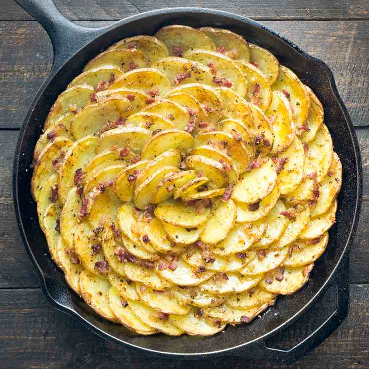 Spiral Roasted Potatoes with Bacon