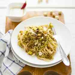 Linguine with leeks