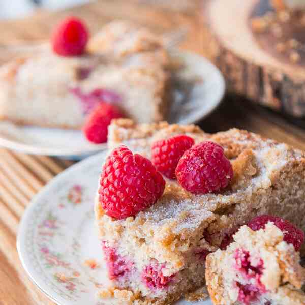 cinnamon raspberry buckle cake