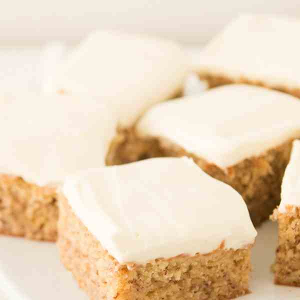 perfect banana cake with cream cheese fros