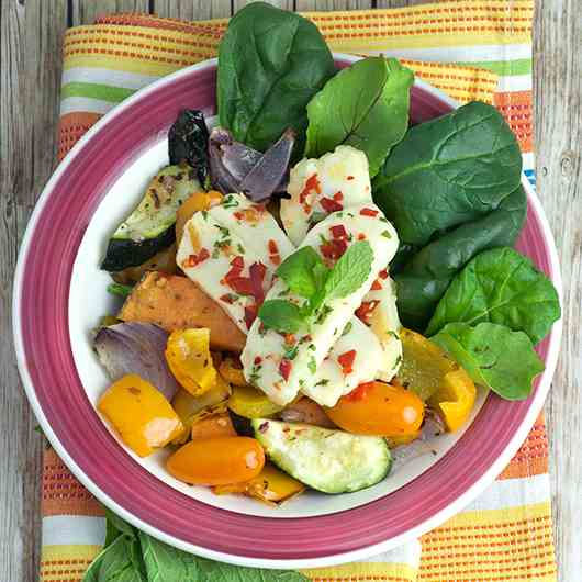 Mint and Chilli Halloumi Salad