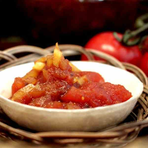 Tomato Chutney with Apples