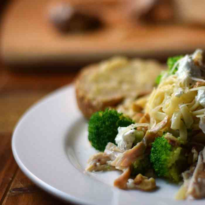Linguine with Roasted Chicken Broccoli Wal