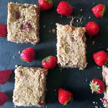 Strawberry and Apple Oat Bar
