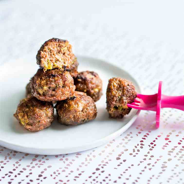 Soy sauce - honey meatballs with broccoli