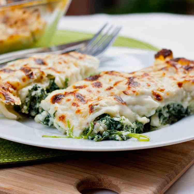 Cannelloni with Spinach Ricotta Fil