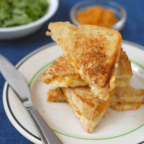 Grilled Cheese with Apricot Ginger Spread