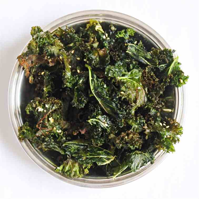 Spicy Ginger Kale Chips