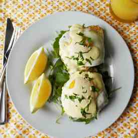 Brunch Rice Cakes with Hollandaise