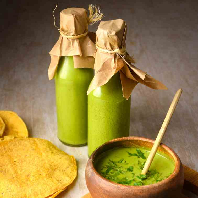 Fast and Easy Tomatillo Hot Sauce