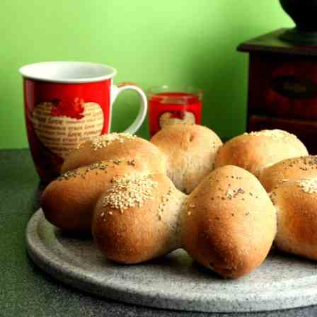 Quick Wholewheat Bread Rolls