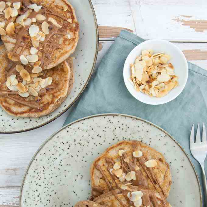 Vegan Apple Pie Pancakes