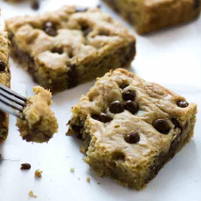 Coconut Oil Chocolate Chip Cookie Bars