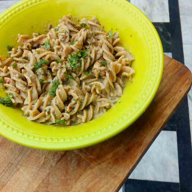 Wholewheat pasta in cream cheese