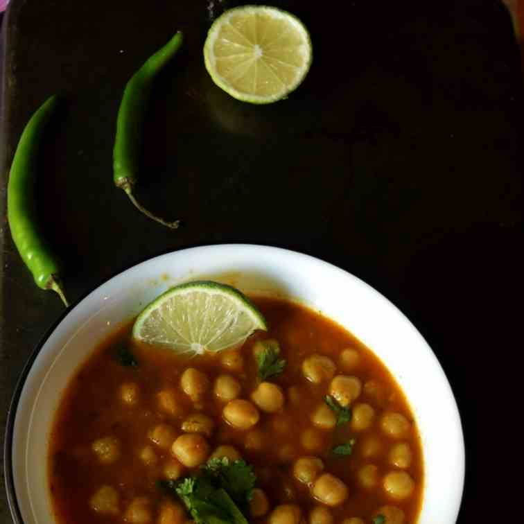 Simple Indian Chickpeas Curry
