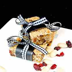 Almond, cranberry and applesauce granola b