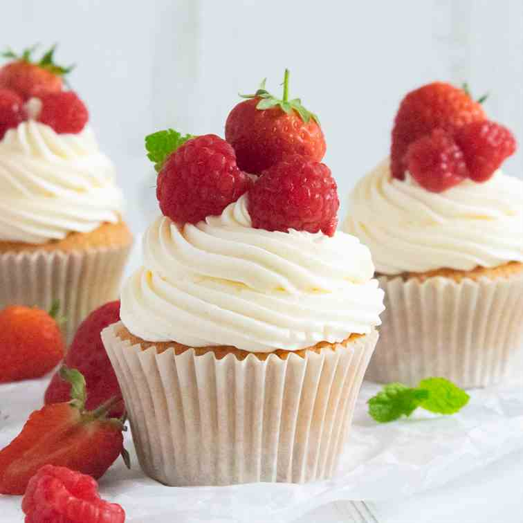 Strawberries - Cream Cupcakes