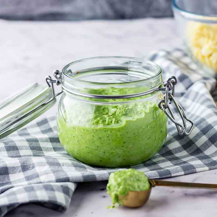 Spinach Pesto with Feta - Walnuts