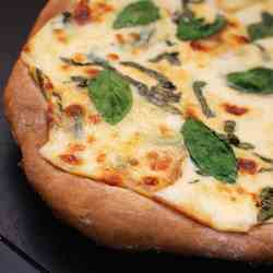 Whole Wheat Pizza with White Garlic Sauce