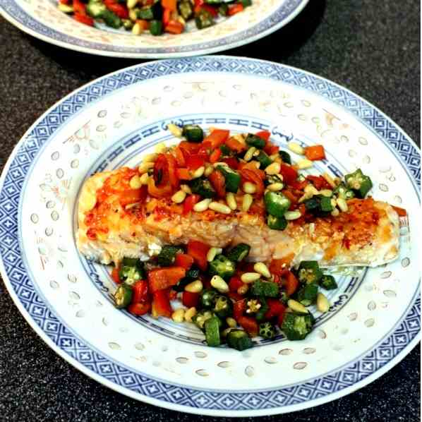 Salmon with crispy veggies