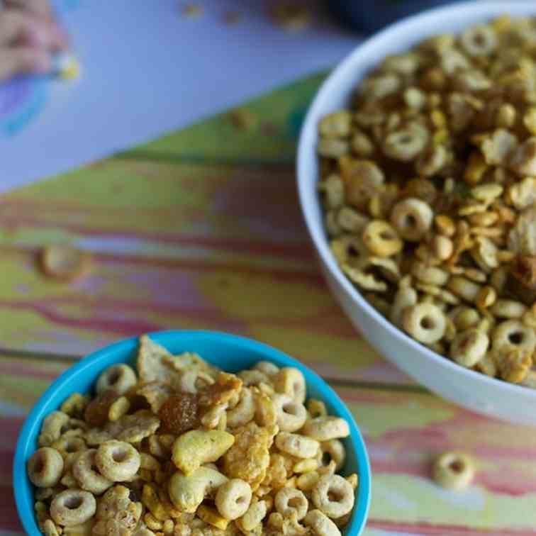 Cereal Chivda (Sweet And Spicy Cereal Mix)