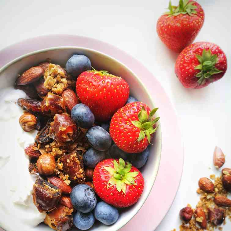 Build Your Own Granola Breakfast Bowl