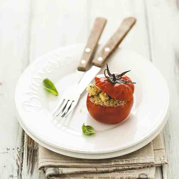 Stuffed tomatoes with tofu