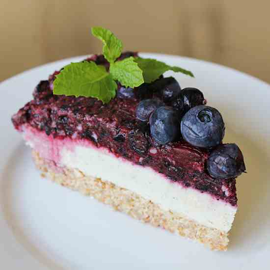 "Raw Berry ""Cheesecake"""