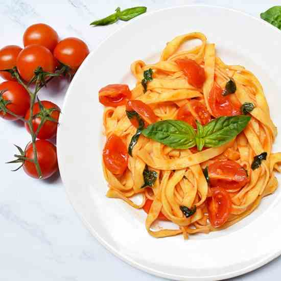 Fresh Tagliatelle With Cherry Tomatoes