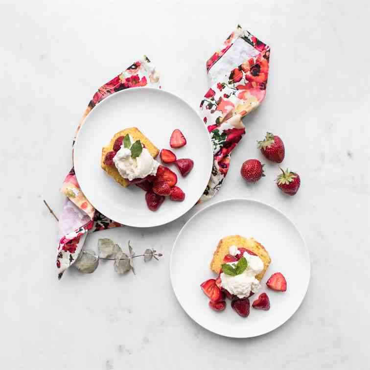 Strawberry Shortcake Cake with Mascarpone