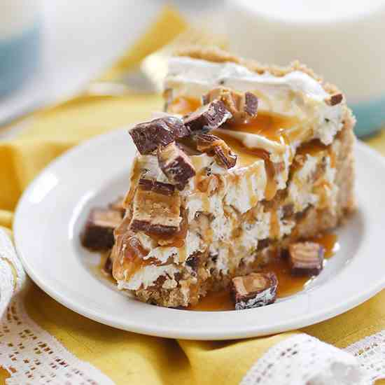 No Bake Peanut Butter Snickers Cheesecake