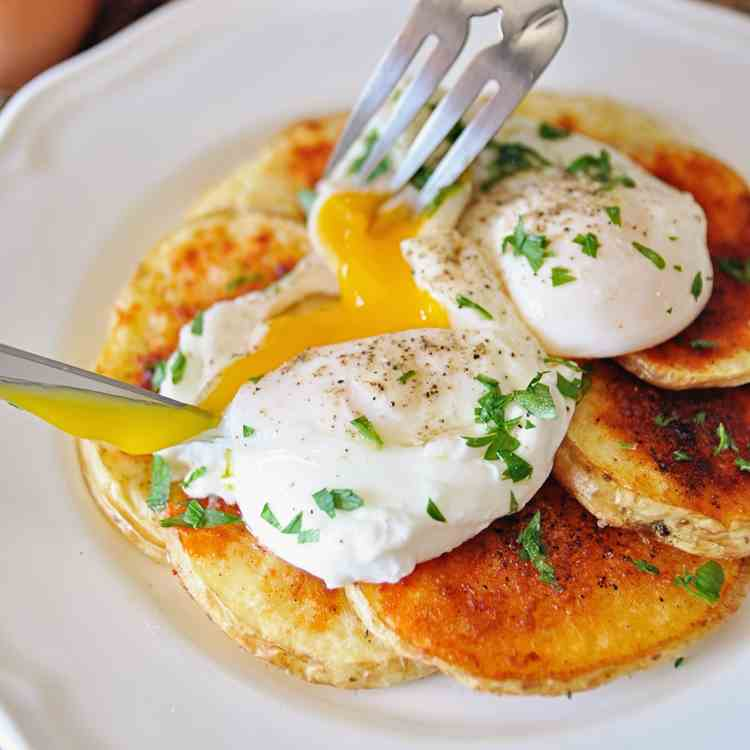 Spanish Poached Eggs with Paprika Potatoes