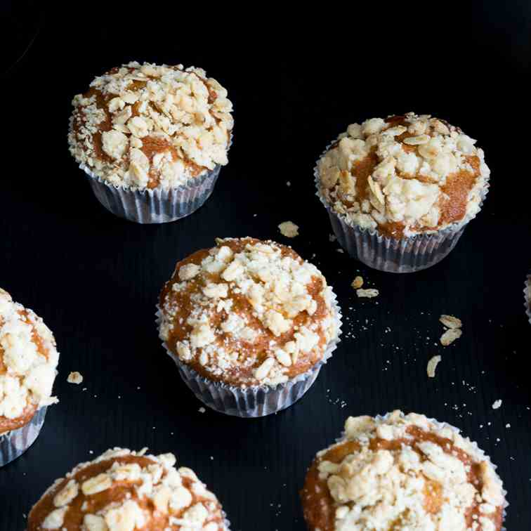 Pumpkin Spice Muffins with Oat Streusel