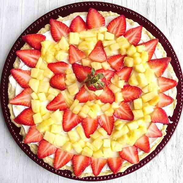 Lite Fruit Pizza