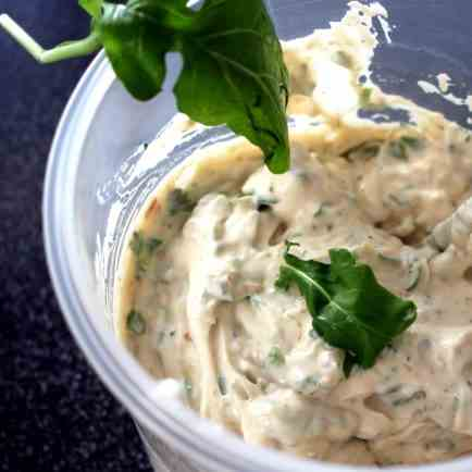 Sour-cream-Rocket Dip
