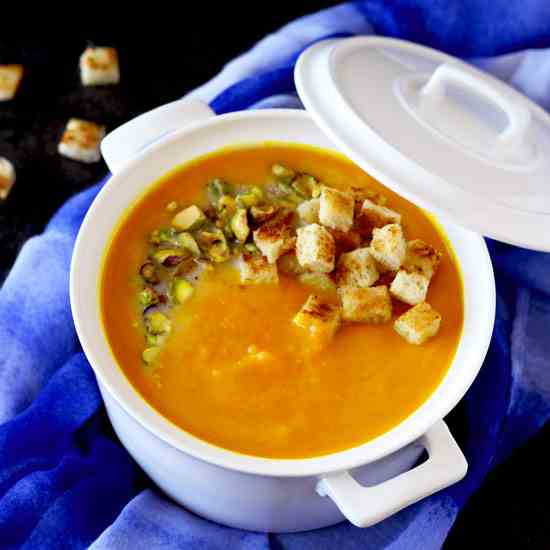Ginger and Turmeric Carrot Soup