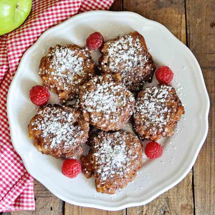 Apple Fritters with Spanish Almonds