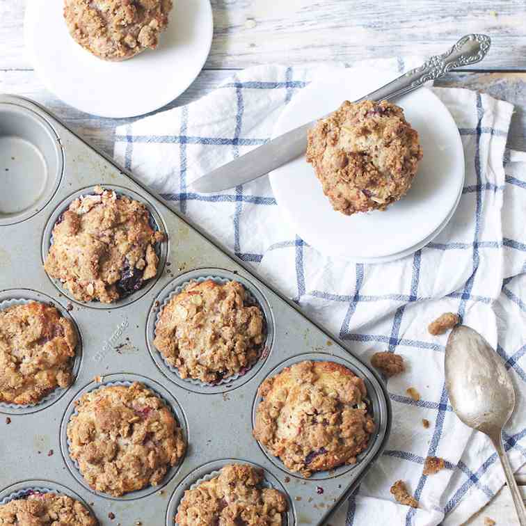 Mixed Berry Crumble Muffins
